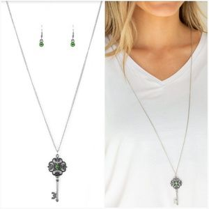 GOT IT ON LOCK GREEN KEY NECKLACE/EARRING SET